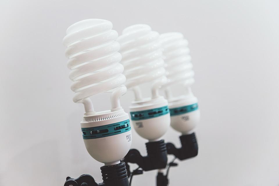 bulbs-932838_960_720